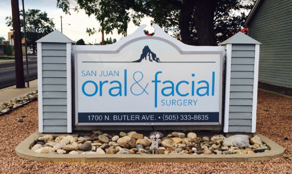 Photo of business sign outside of dental practice.